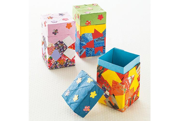 牛乳パックで作る「桜紋の小物入れ」