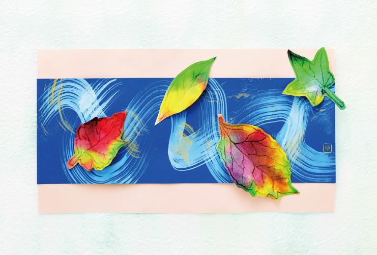 わりばしペンで葉を描く「川面の紅葉」